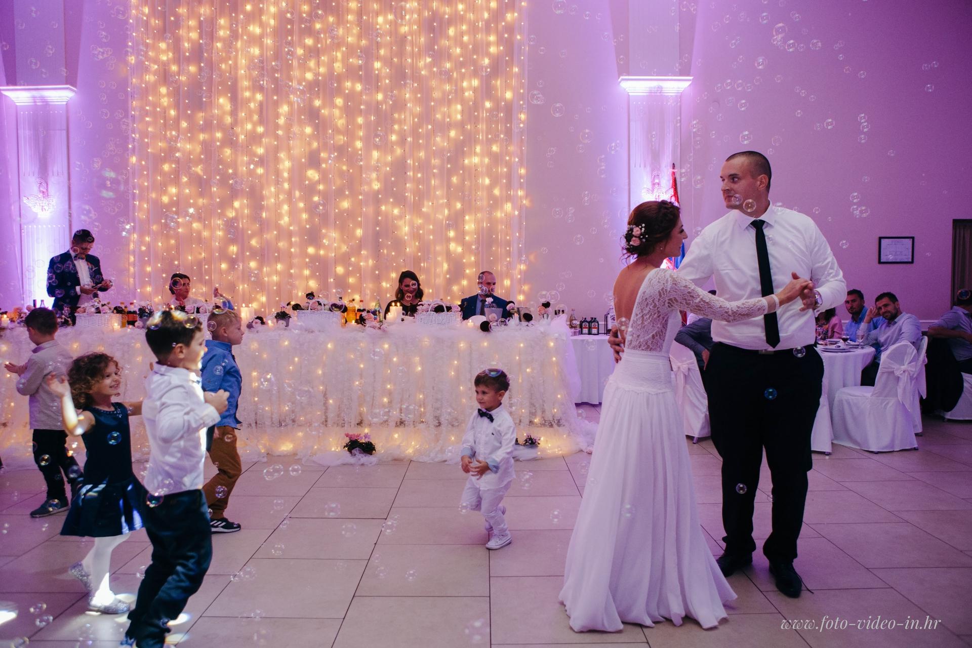prvi ples mladenci