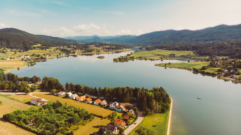 dron jezero sabljaci